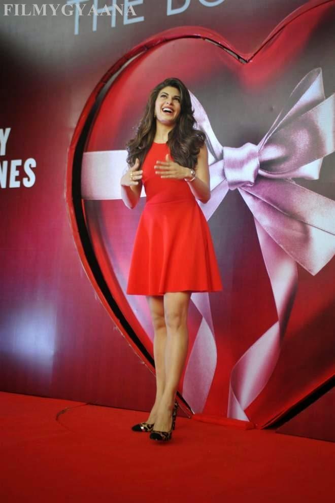 Jacqueline Fernandez Red Mini Dresses Photo