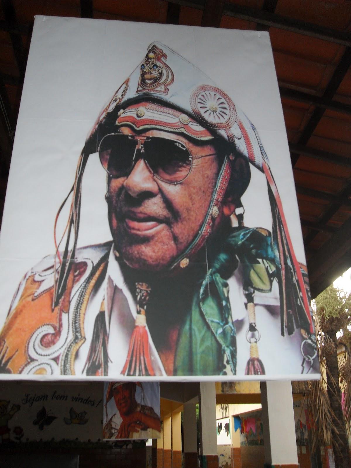 A Família Ester Guimarães homenageia no mês de junho o nosso mestre maior LUIZ GONGAGA retratando a sua saga. Luiz gonzaga constitui a representação da alma ... - SDC11025