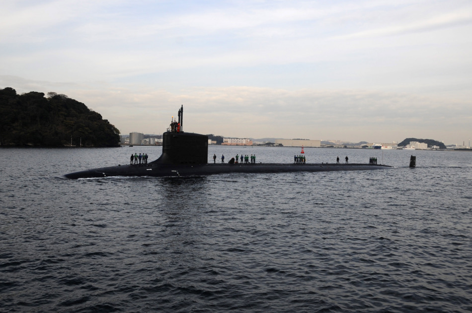 http://4.bp.blogspot.com/-t1q_YK0iyYM/TvaFcCp6FcI/AAAAAAAAGzM/BObSTyn_FY4/s1600/UNITED+STATES+USN+U.S.+Navy+a+new+Virginia-class+nuclear+attack+submarine+SSN-777+North+Carolina+arrives+in+Japan+Yokosuka+Naval+Base.+The+submarine+was+officially+deployed+in+the+Western+Pacific+%25281%2529.jpg