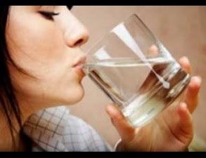 Banyak Minum Setelah Makan Tidak Baik