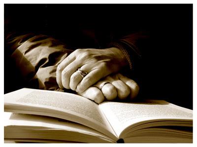 http://4.bp.blogspot.com/-t2aX7MONPno/TVc7XS2dciI/AAAAAAAABOE/EMm4J_gV4PE/s400/As%2Bdiferen%25C3%25A7as%2Bentre%2BJudaismo%2Be%2BCristianismo..jpg