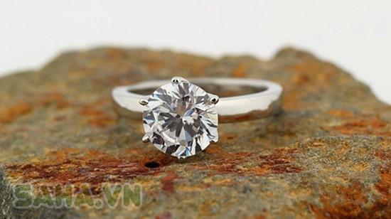 Nhẫn đính kim cương nhân tạo Swarovski - 2554