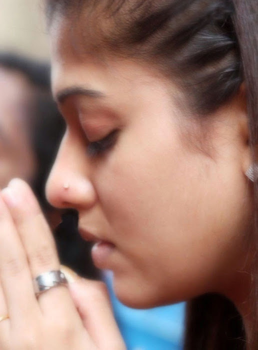 Nayantara at Chettikulangara Temple photos gallery