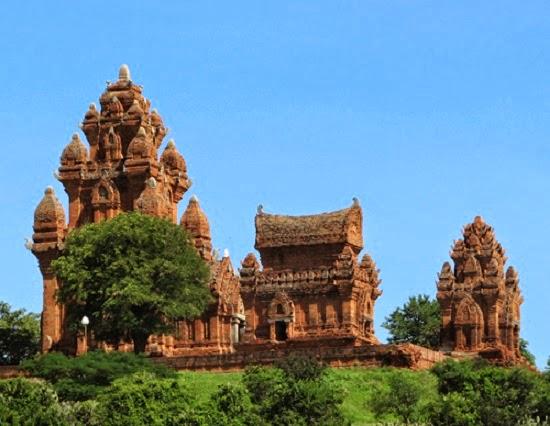 Những điểm du lịch nổi tiếng trên vùng đất nắng gió Ninh Thuận1