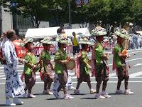 四条綾傘鉾、応仁の乱以前に遡る、踊り方は地域の小学生