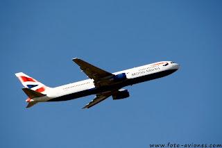 Boeing 737 / G-BNWX