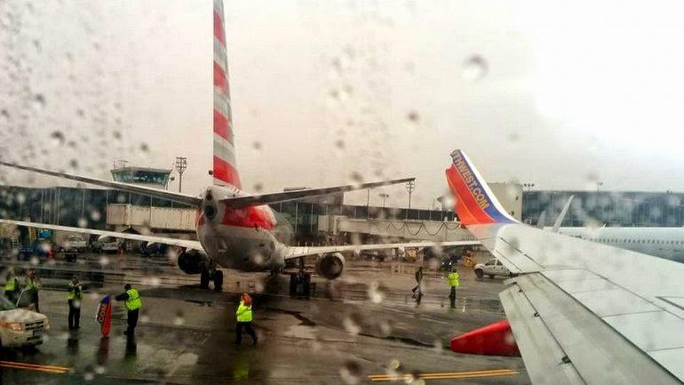 NOTICIAS - Chocaron dos aviones en el aeropuerto de Nueva York