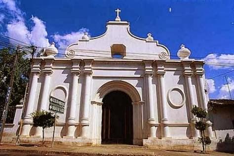 Otra iglesia colonial en Izalco