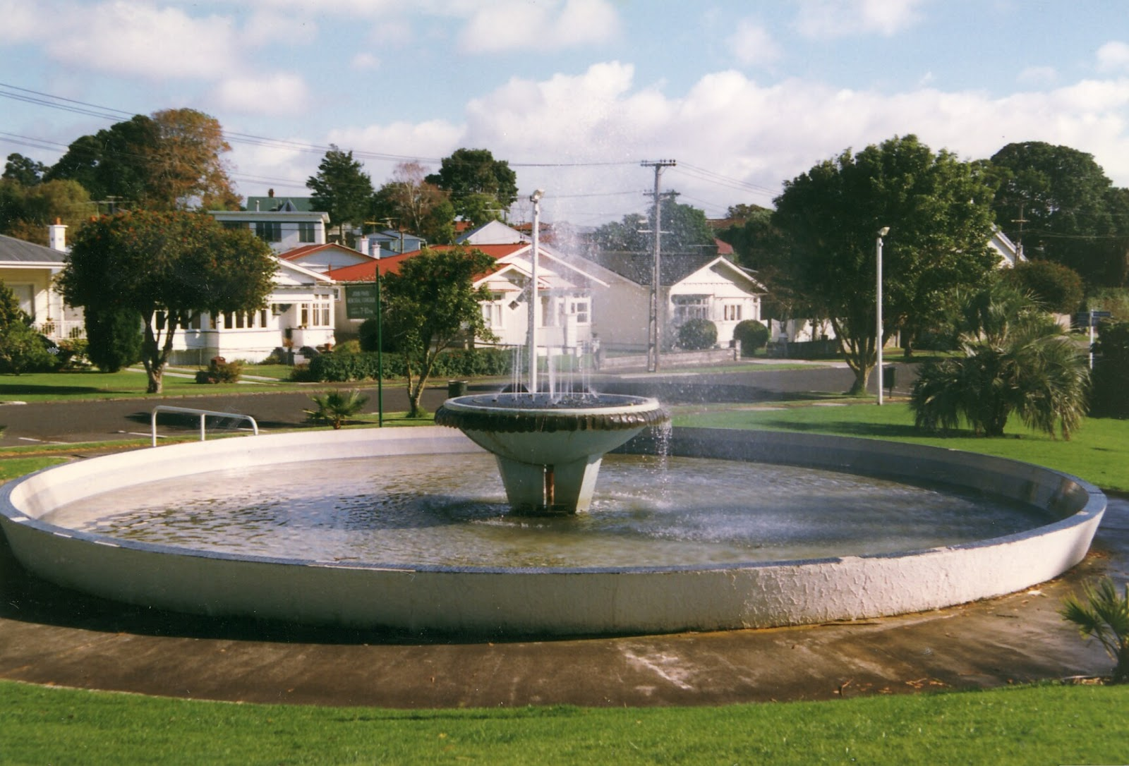 Water fountains auckland - John Park Obviously Made An Impression In Onehunga Since He Has His Own Fountain He Was An Architect And The Mayor Of Onehunga Multiple Times