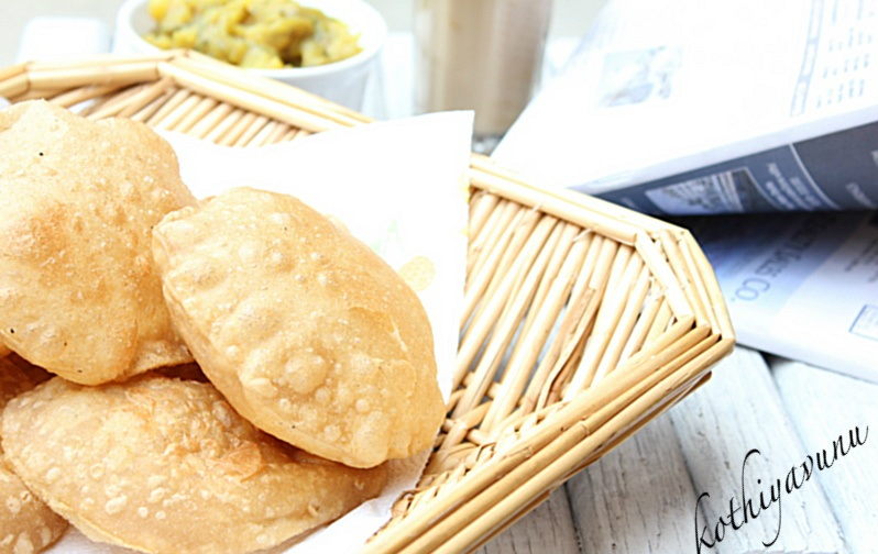 deep fried poori deep fried puffed poori indian puffed bread growing ...
