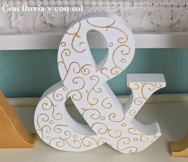 Con lluvia y con sol iniciales de madera a l para la boda de lidia y antonio - Como decorar letras de madera ...
