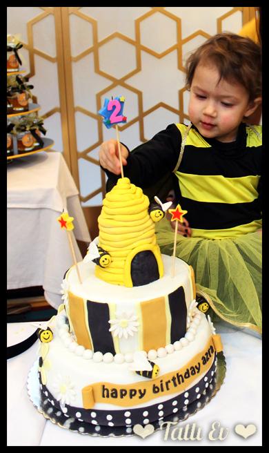arı temalı pasta tasarımı