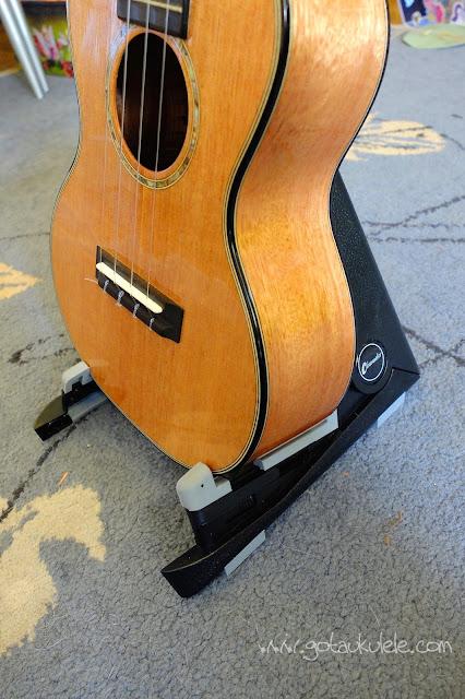 Folding Ukulele Stand with Concert ukulele