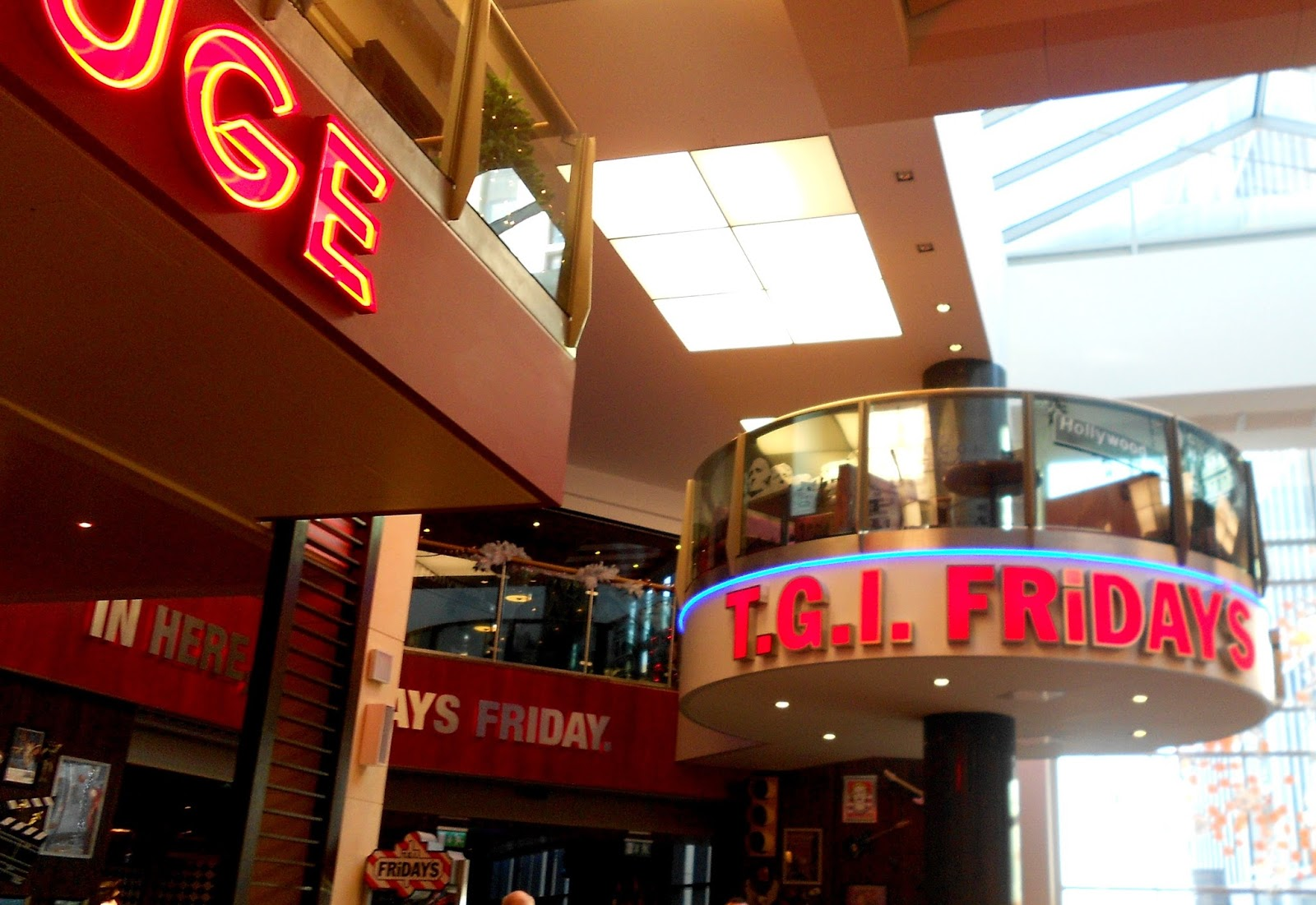 st. david's centre cardiff review tgi fridays food