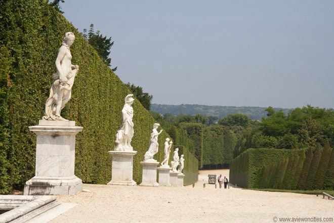 row-of-statues-Versailles-Garden