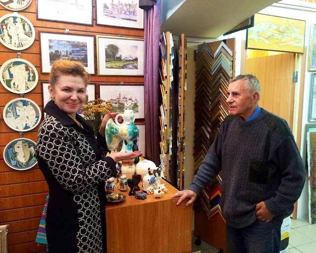 Керамика заслуженного художника России Юрия Петровича Леонова выставлена в арт-салоне «Галерея Леже».
