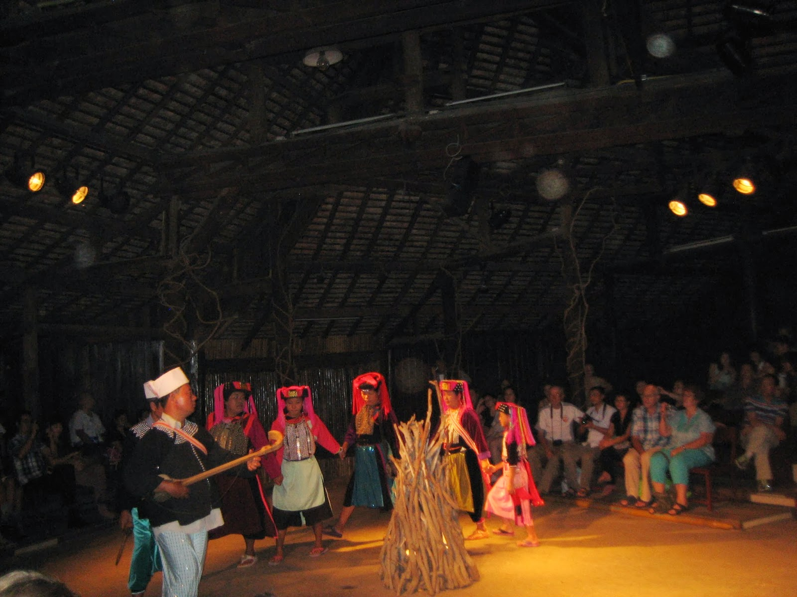chiang-mai-cultural-center-traditional-hill-tribe-dance