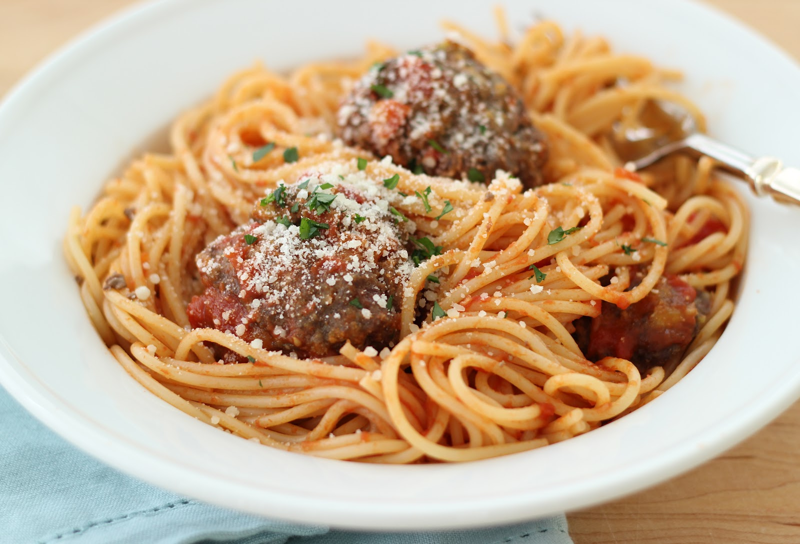 ... Steffens Hobick: The BEST Homemade Meatballs | Spaghetti & Meatballs