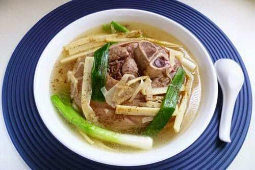 Vietnamese Food Culture - Chân Giò Hầm Măng Tươi