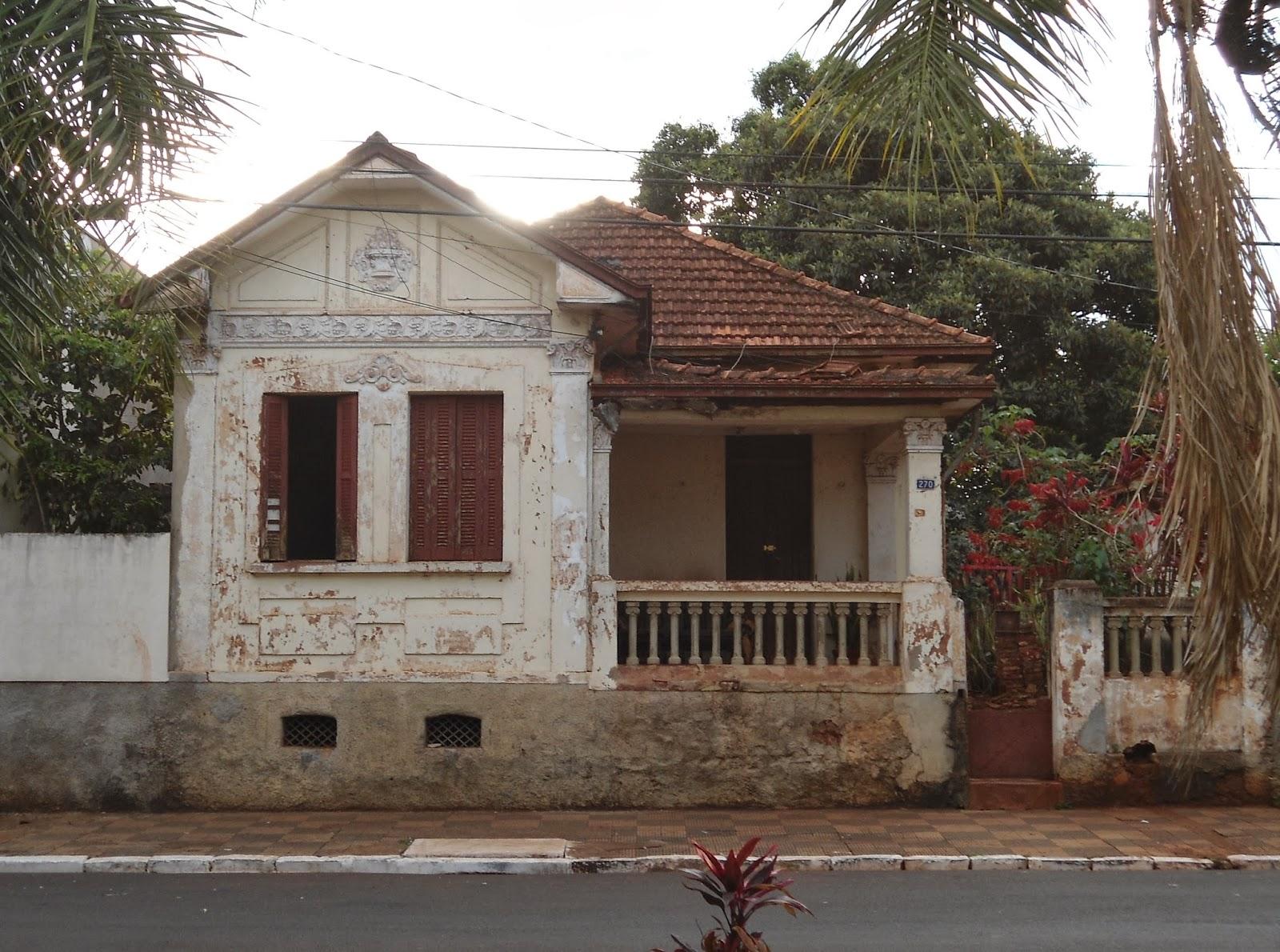 """Essas casas antigas"""" - foto: arq. pessoal - nov/13)"""