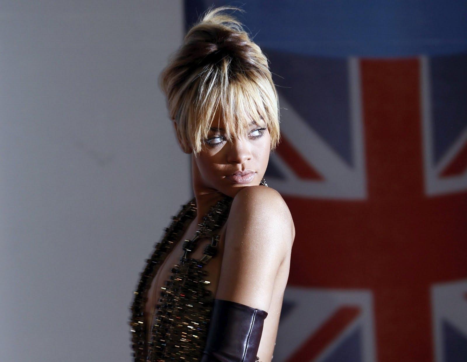 http://4.bp.blogspot.com/-t5GBuVa-Mko/T0Rehuk_5xI/AAAAAAAAFZk/MX5wnvsId7A/s1600/Rihanna%2B%25E2%2580%2593%2BBrit%2BAwards%2B2012%2Bin%2BLondon%2B6.jpg