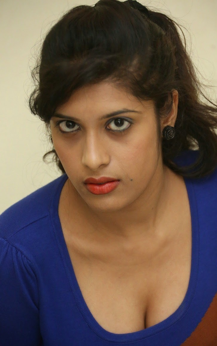 actress liza reddy hot and sexy cleavages and navel show stills share this article