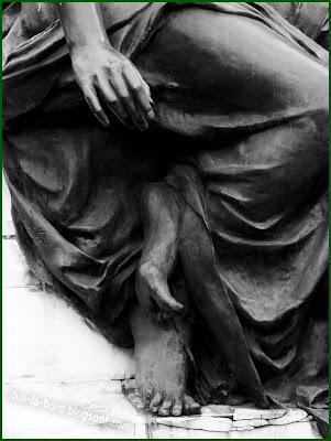 detaliu statuie gradina icoanei bucuresti