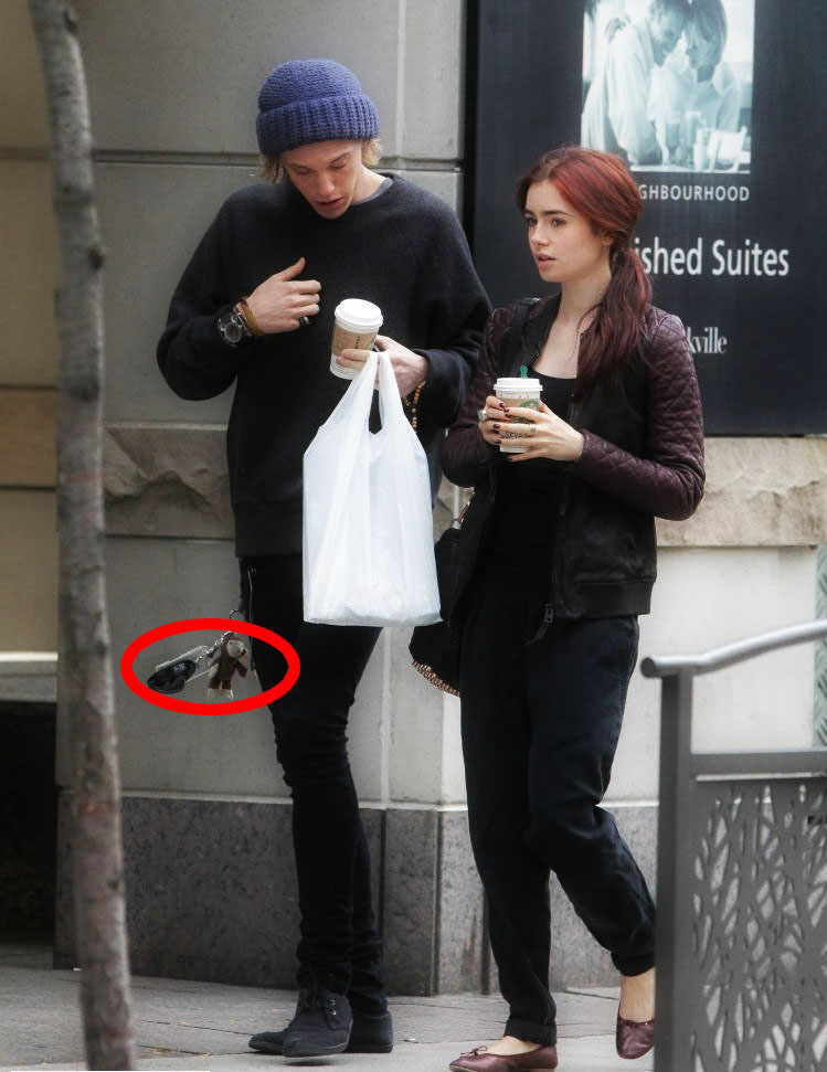 jamie lily dating Are lily collins & jamie campbell bower back together fans are pretty sure that lily collins and jamie campbell bower might be dating again, nearly two and a half years after they called it quits the actors worked together on the movie the mortal instruments: city of bones, which came out in 2013, and they dated on and off for a.