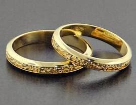 Modelos de alianças para as bodas de ouro