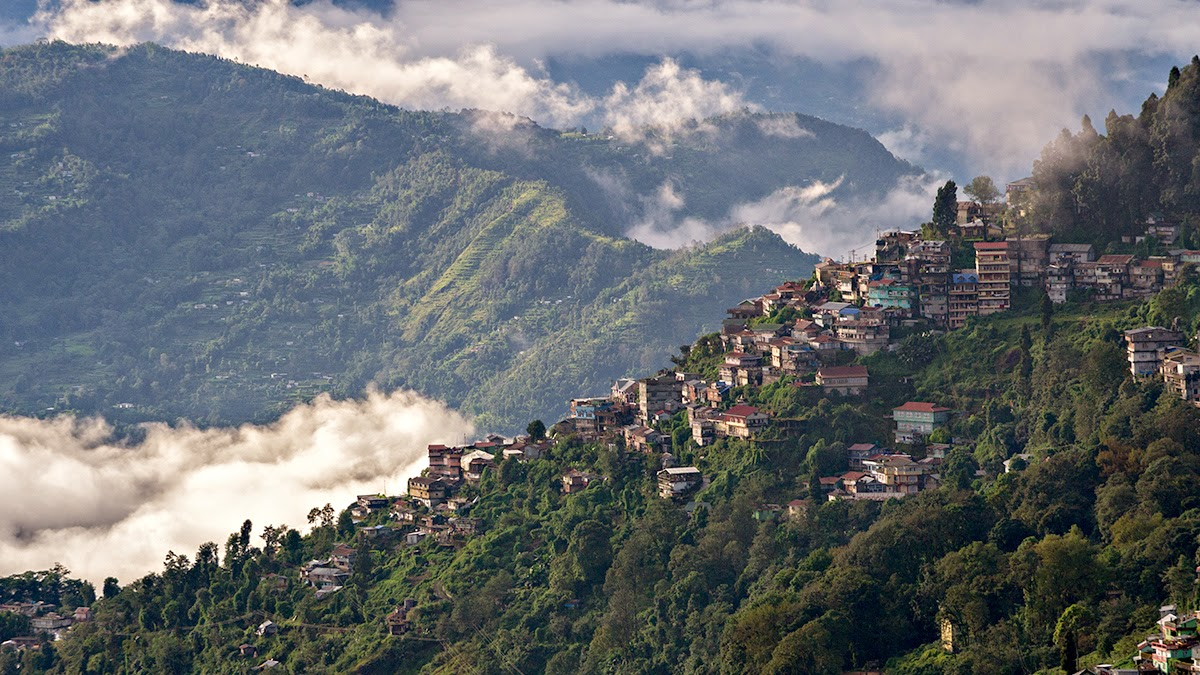 monsoon in darjeeling