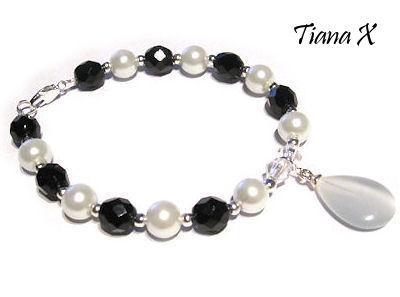 Tiana X - helmirannekoru, mustavalkoinen