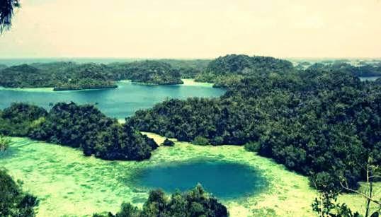 Pemandangan Menakjubkan Gugusan Kepulauan Raja Ampat