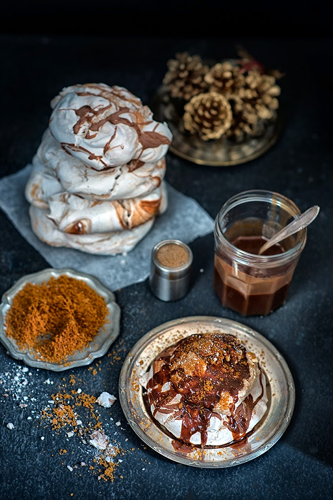 Gingerbread & chocolate meringues with Biscoff whipped cream