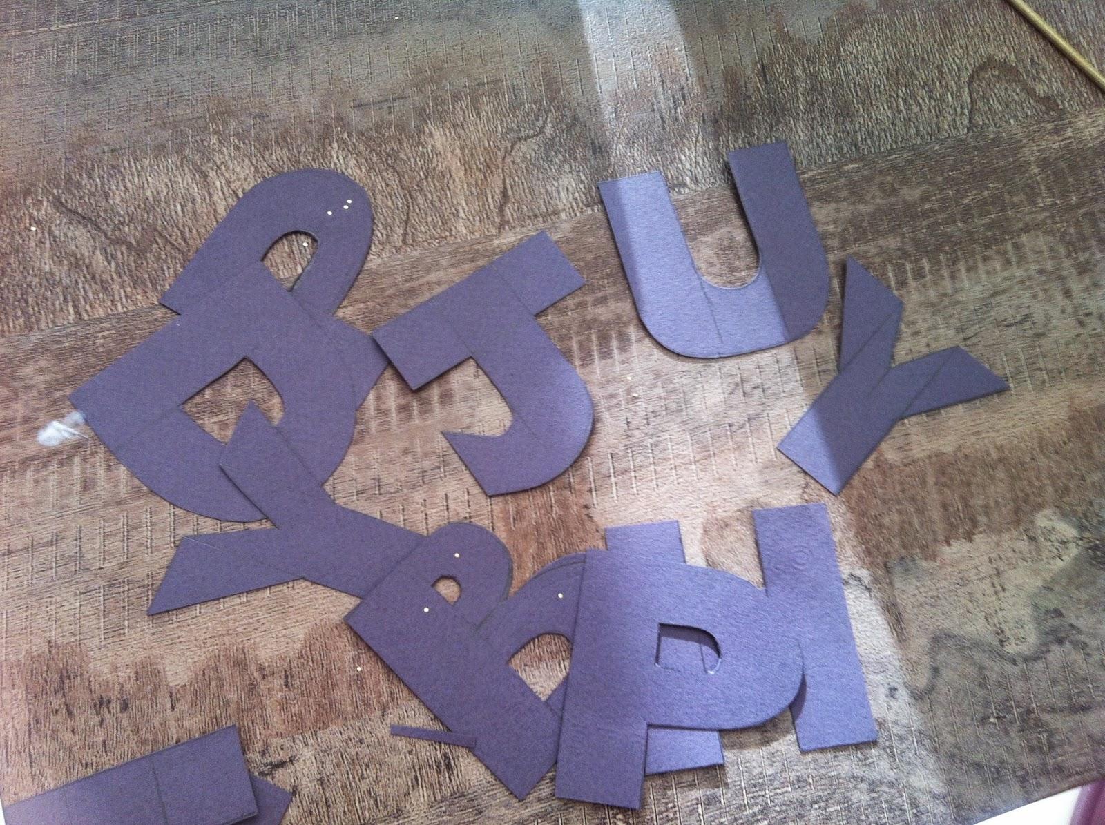 désormais en 3 lettres