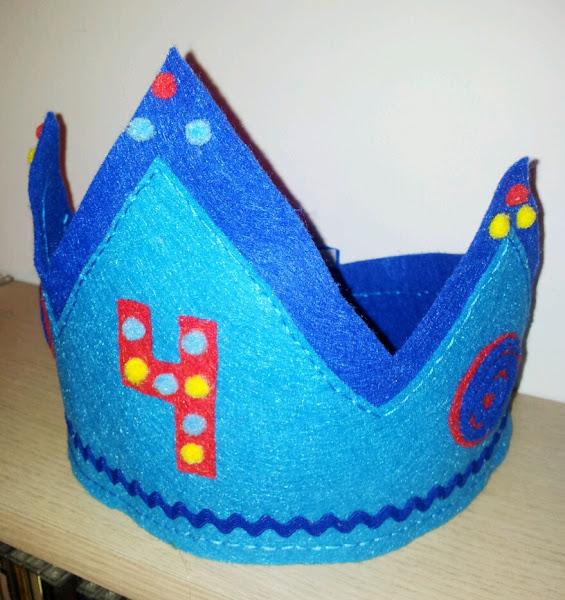 Coronas de fieltro aprender manualidades es - Coronas navidenas de fieltro ...
