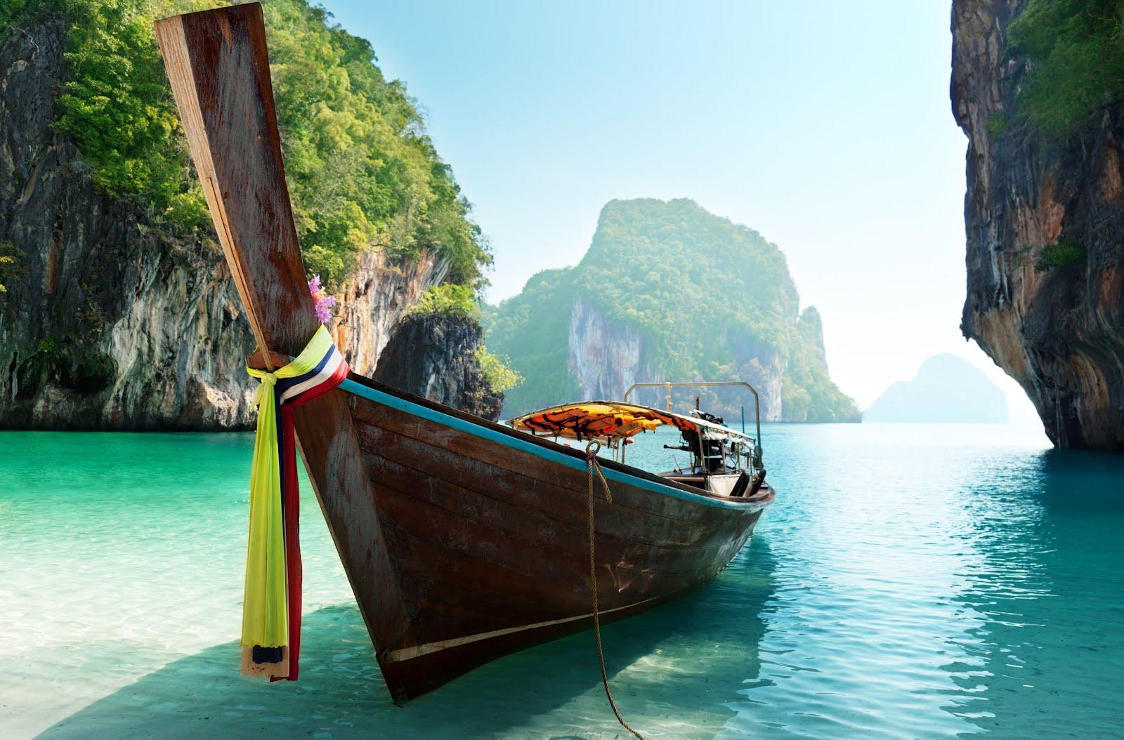 http://4.bp.blogspot.com/-t6geZuCqeMA/T8kQ6BzIQsI/AAAAAAAA6JE/YsfZnis9UeU/s1600/barco-en-las-islas-andaman-tailandia-boat-and-islands-in-andaman-sea-thailand.jpg