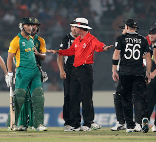 Faf du Plessis and several New Zealand players embroiled in harsh exchange