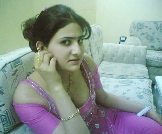 Super Hot Pakistani Aunty