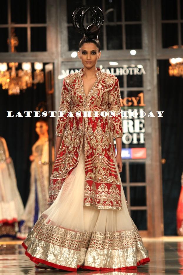 Manish Malohtra at Delhi Couture Week 2011