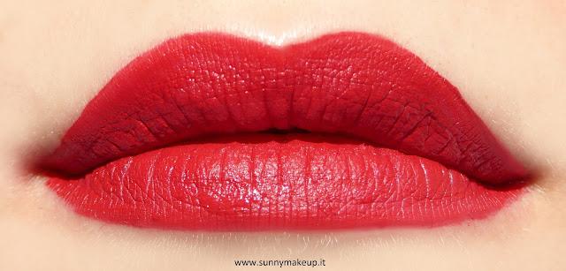 Swatch sulle labbra. Pupa - I'm Matt Lip Fluid. Rossetto liquido opaco nella colorazione 052 Red Passion.