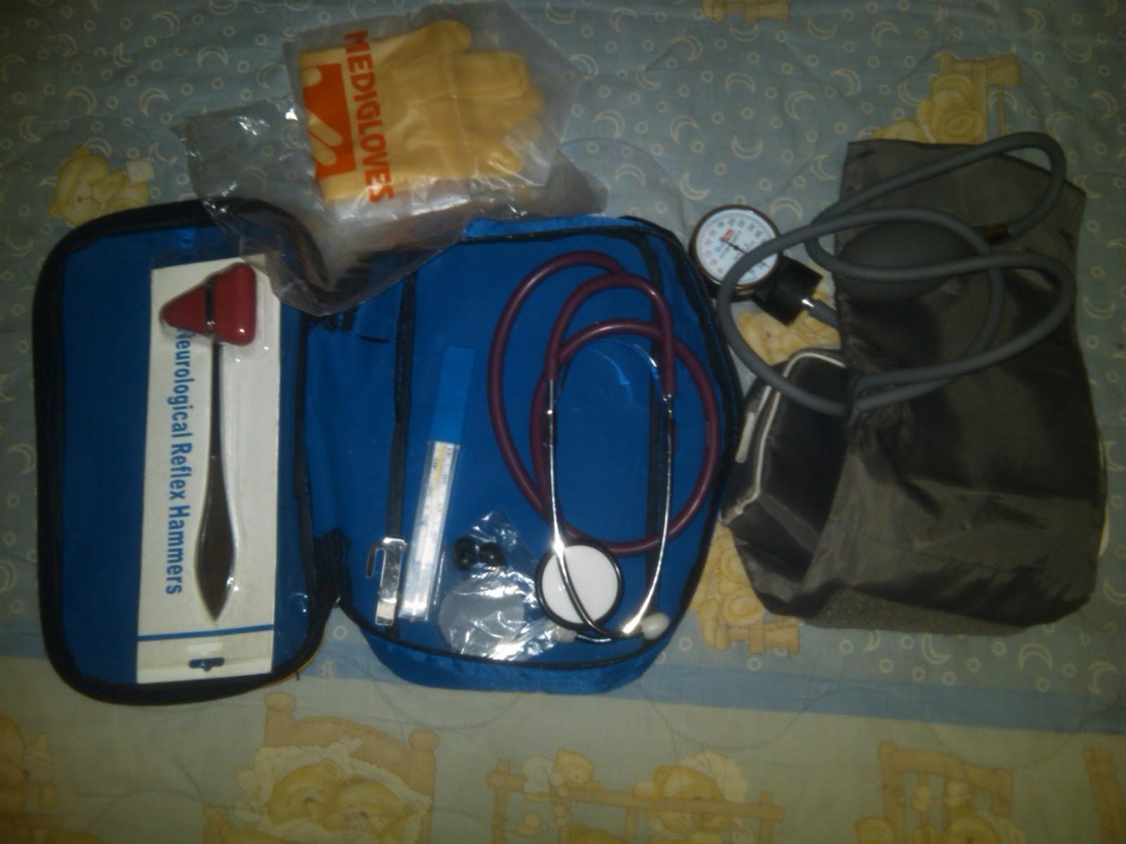 Gusti Ayu Tas Nurse Kit Paket 2 Stetoskop Tensimeter Onemed Thermometer Raksa Reflex Hammer Penlight Handscon Masker Rp 260000