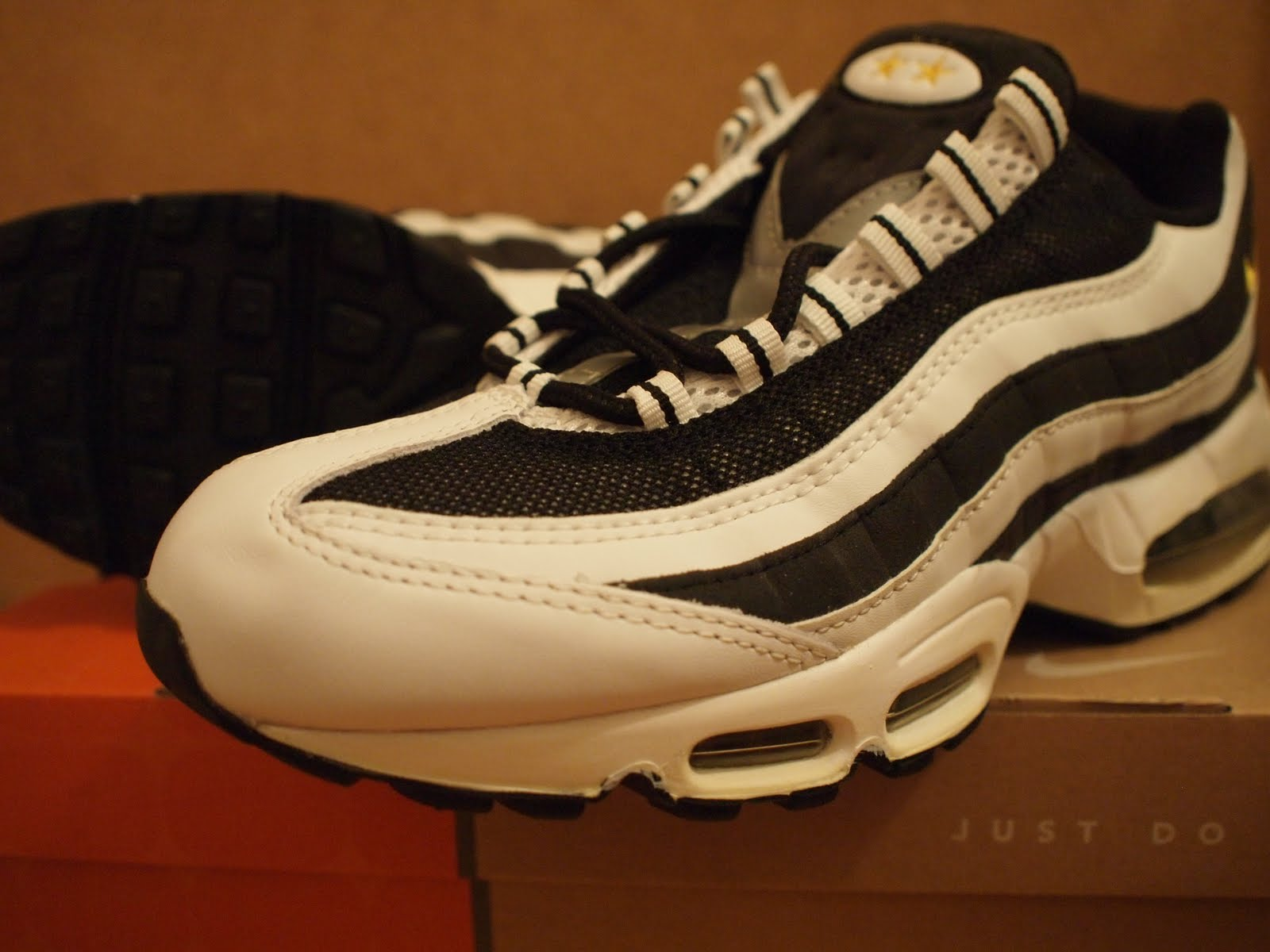 Air Max 95 Juventus