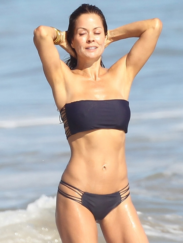 Brooke Burke in a bikini at a Malibu beach.<br>An honest picture of motherhood that all women can relate to, insisting that it's not about being right or wrong.<br>Added by starman 11 months ago, on 7 August 2012 07:39
