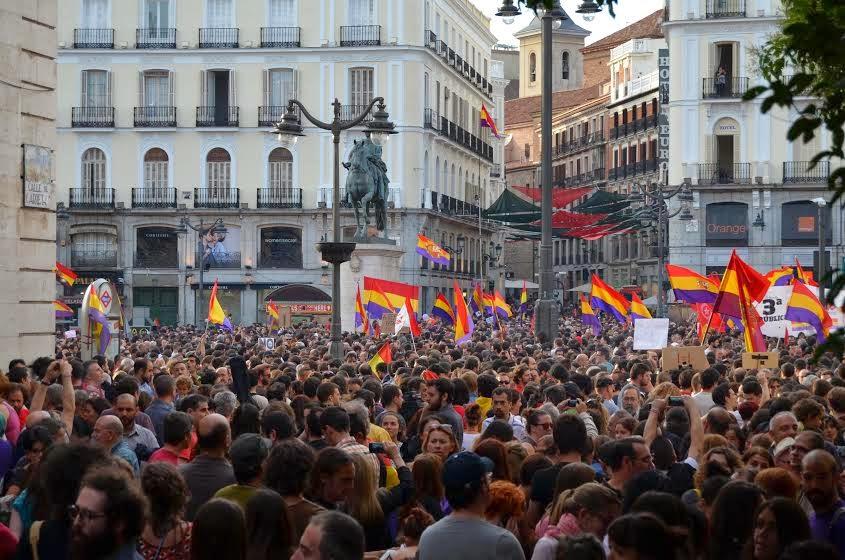 """Espanha: o povo quer """"república já"""""""