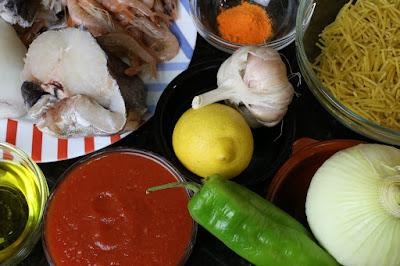 Ingredientes para fideos con pescado