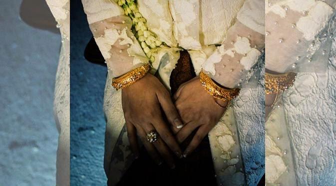 Cincin Pernikahan Andien 2015 Kebaya Klasik Warna Putih