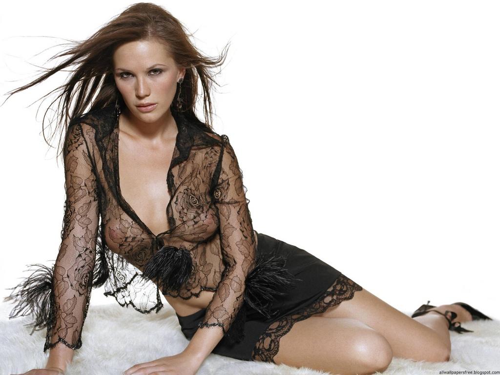 http://4.bp.blogspot.com/-t8P9HrAOTVQ/TzCq4ccQg5I/AAAAAAAADA0/qPnwjzND1ns/s1600/Lucy-Clarkson-1024768-0009.jpg