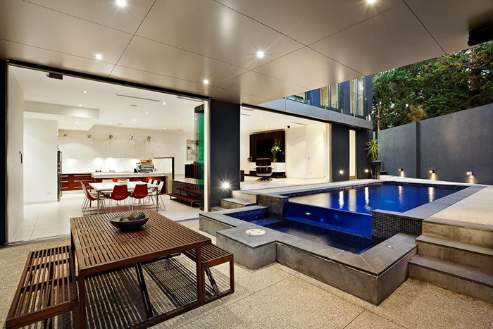 Patios modernos minimalistas 2015 for Parrillas para casas modernas