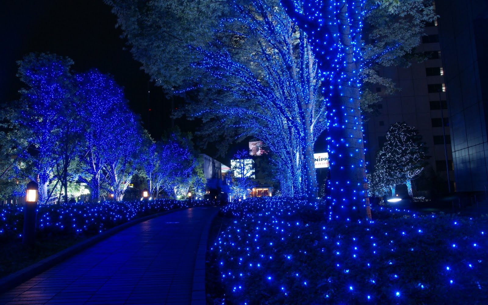christmas in tokyo 1680x1050 | christmas wallpapers