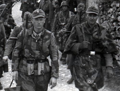 Les tenues allemandes en camouflage italien. Pfic_